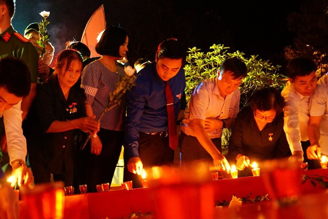 Đêm tri ân các anh hùng liệt sĩ tại Ngã ba Đồng Lộc - 1