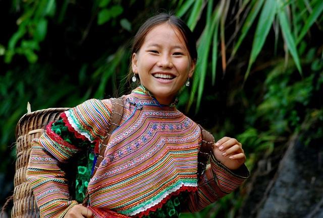 Độc đáo trang phục phụ nữ các dân tộc vùng cao - 9