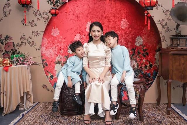 """Giọng ca triệu view Hương Ly: """"Vợ chồng tôi từng phải xin bố mẹ từ cái nồi"""" - 3"""