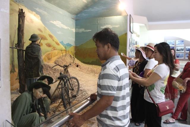 Tháng 7 ở Ngã Ba Đồng Lộc - 13