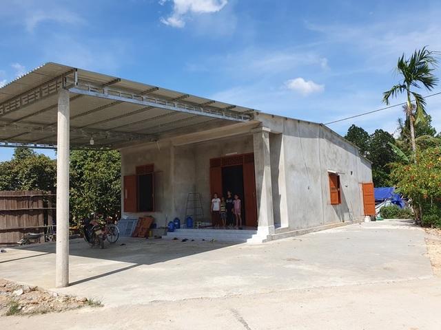 Bạn đọc Dân trí chung tay giúp đỡ xây nhà tặng mẹ con goá phụ nghèo - 3