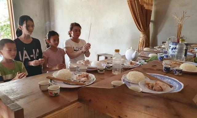 Bạn đọc Dân trí chung tay giúp đỡ xây nhà tặng mẹ con goá phụ nghèo - 4