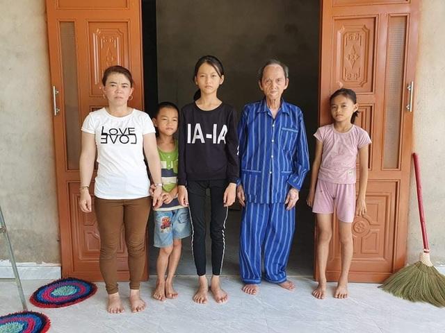 Bạn đọc Dân trí chung tay giúp đỡ xây nhà tặng mẹ con goá phụ nghèo - 5