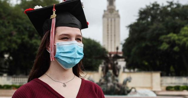 Mỹ bất ngờ hủy quy định trục xuất sinh viên quốc tế học trực tuyến - 1