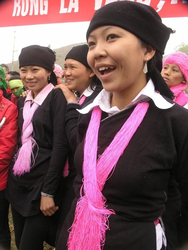 Độc đáo trang phục phụ nữ các dân tộc vùng cao - 8
