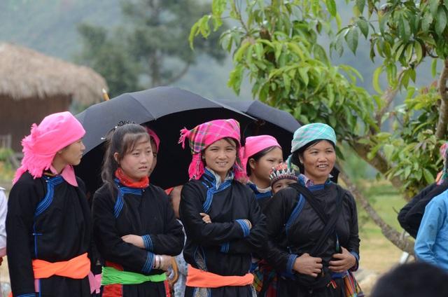 Độc đáo trang phục phụ nữ các dân tộc vùng cao - 2