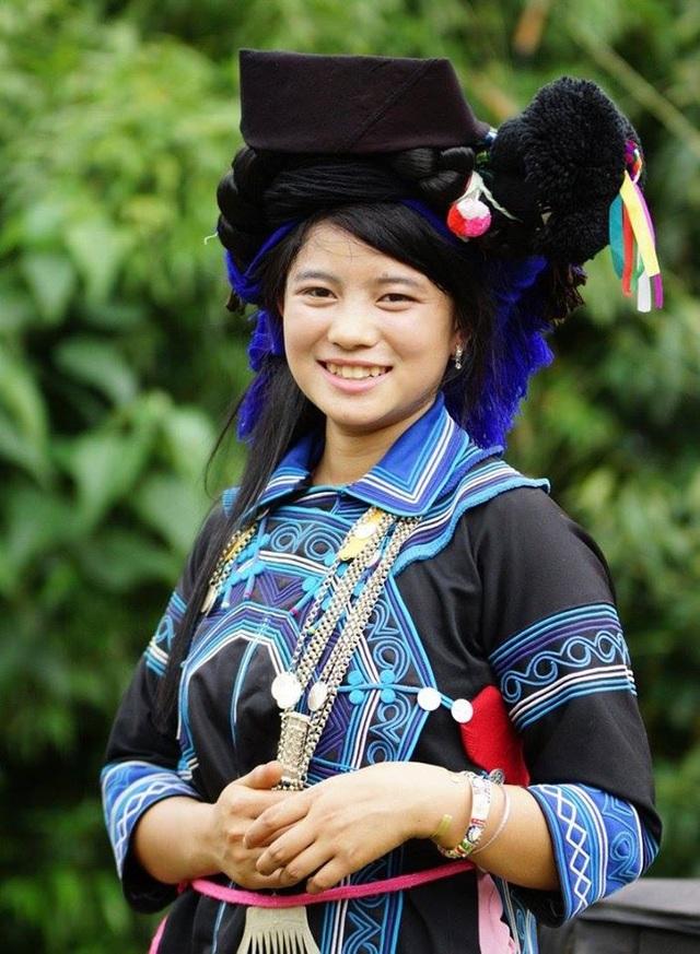 Độc đáo trang phục phụ nữ các dân tộc vùng cao - 11