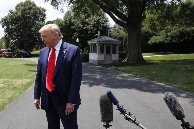 Ông Trump lần đầu tiên bị ông Biden dẫn trước ở lĩnh vực kinh tế - 1