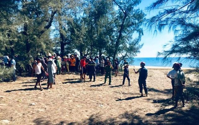 Học sinh lớp 8 tử vong khi tắm biển sau lễ bế giảng - 1