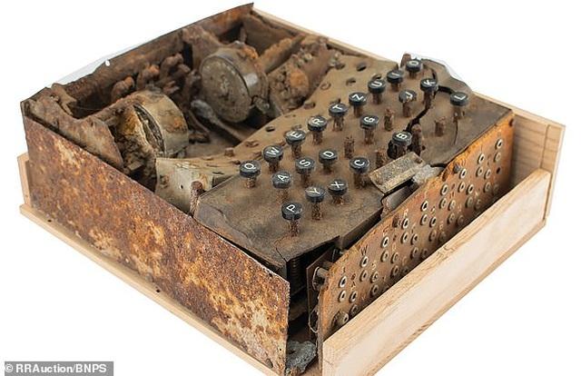 Cỗ máy mã hóa hiếm hoi từ Thế chiến II được rao bán hơn 460 triệu đồng - 1