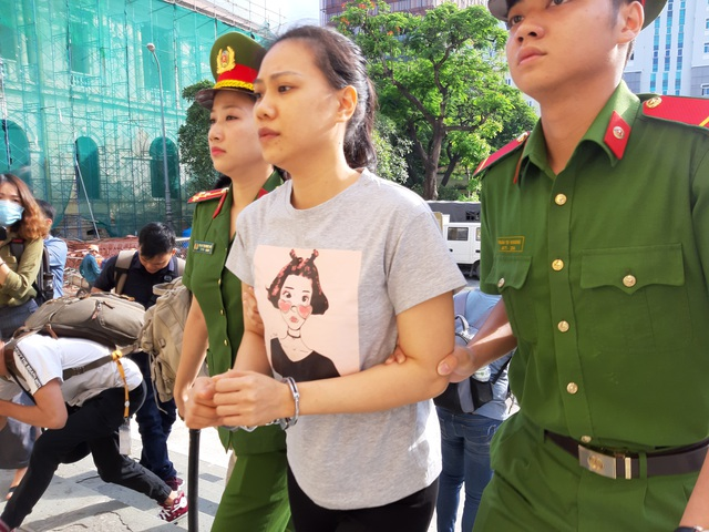 Hot girl Ngọc Miu cùng nhân tình hầu tòa - 3