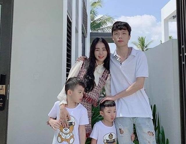 """Giọng ca triệu view Hương Ly: """"Vợ chồng tôi từng phải xin bố mẹ từ cái nồi"""" - 2"""