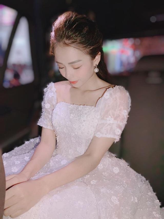 """Giọng ca triệu view Hương Ly: """"Vợ chồng tôi từng phải xin bố mẹ từ cái nồi"""" - 5"""
