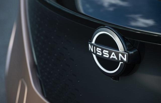 Nissan công bố logo mới - 2