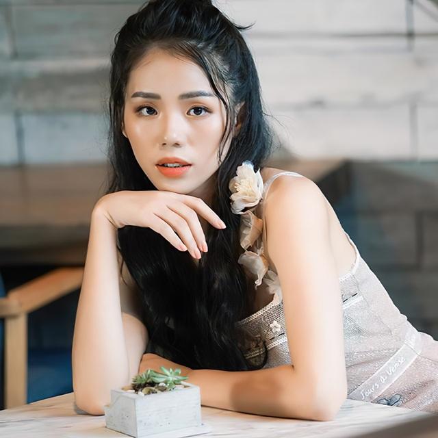 """Giọng ca triệu view Hương Ly: """"Vợ chồng tôi từng phải xin bố mẹ từ cái nồi"""" - 6"""