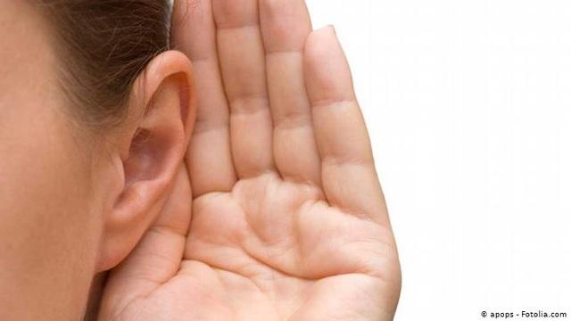 Con người có thể điều khiển tai hướng về phía phát ra tiếng động không? - 1