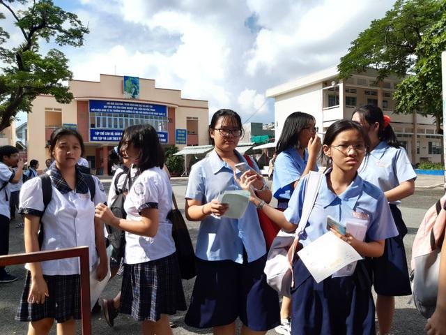 Đề thi tiếng Anh lớp 10 xuất hiện trên mạng: Sở GDĐT TPHCM nói gì? - 1