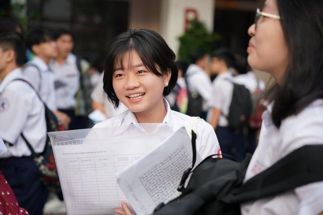 TPHCM: Hơn 82.000 thí sinh bắt đầu tranh suất vào lớp 10 công lập - 1