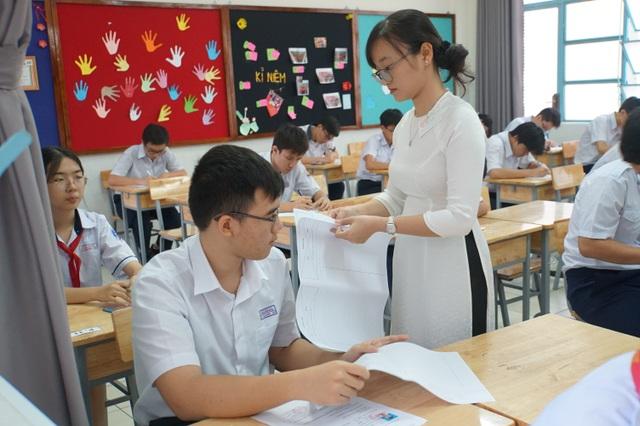 Ngày đầu kỳ thi lớp 10 tại TPHCM: 554 thí sinh bỏ thi - 2