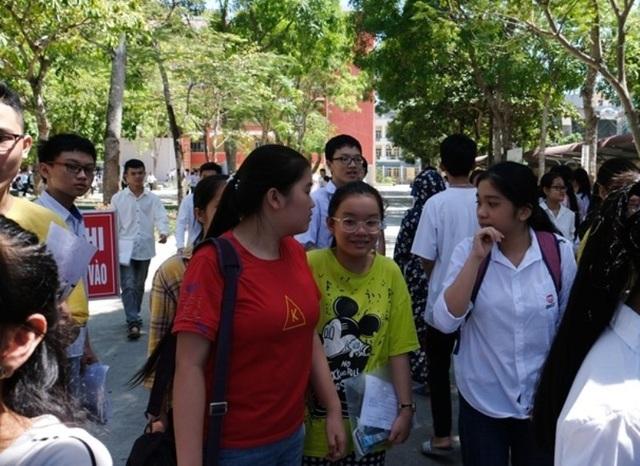 Thanh Hóa: 1 thí sinh bị đình chỉ thi Văn do mang điện thoại vào phòng thi - 1