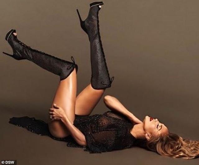 Jennifer Lopez đẹp hút hồn trong bộ ảnh mới - 2