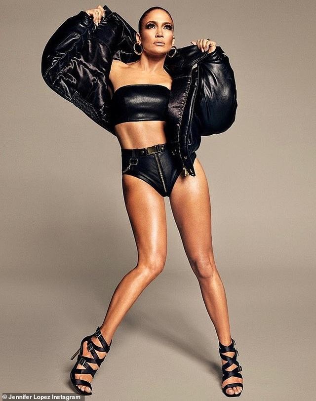 Jennifer Lopez đẹp hút hồn trong bộ ảnh mới - 1