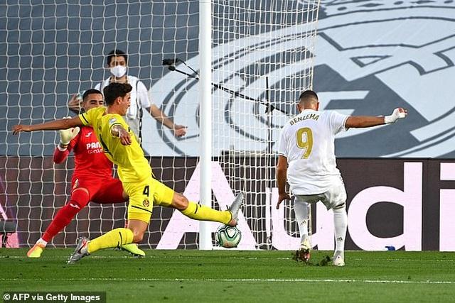 Benzema lập cú đúp, Real Madrid vô địch La Liga lần thứ 34 - 5