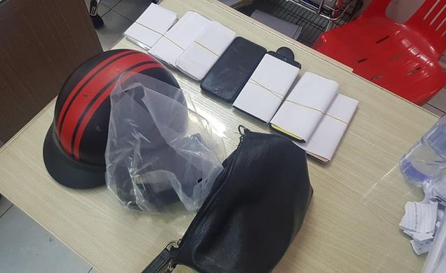 Nhóm người tấn công công an, rút thẻ đỏ tự xưng cảnh sát hình sự - 1