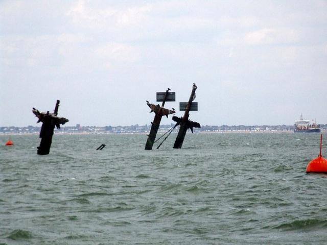 Tàu đắm chở hàng nghìn bom có thể gây sóng thần ở Anh - 1
