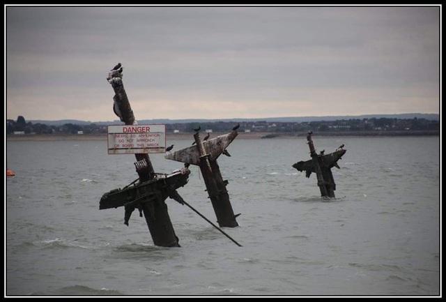 Tàu đắm chở hàng nghìn bom có thể gây sóng thần ở Anh - 2