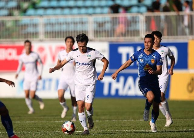 Vòng 11 V-League 2020: Công Phượng so tài cùng Quang Hải - 3