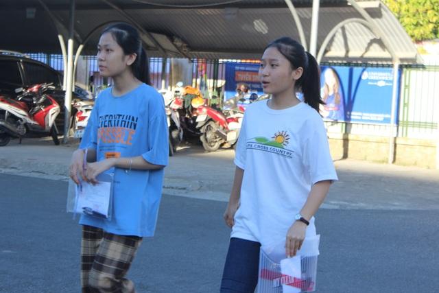 """Hôm nay, gần 900 thí sinh bắt đầu """"giành vé"""" vào trường THPT Chuyên Hà Tĩnh - 1"""