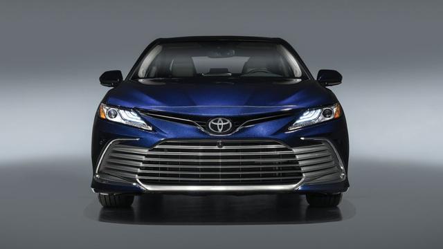 Toyota Camry 2021 có gì mới? - 1