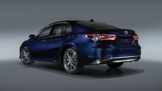 Toyota Camry 2021 có gì mới? - 6