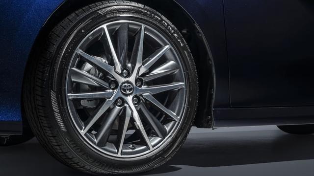 Toyota Camry 2021 có gì mới? - 4