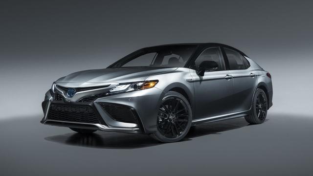Toyota Camry 2021 có gì mới? - 14