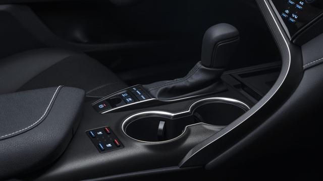 Toyota Camry 2021 có gì mới? - 18