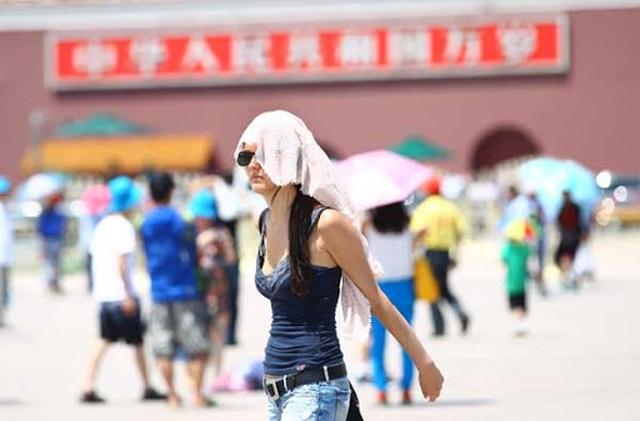 Sau lũ lụt lịch sử, Trung Quốc đối mặt nắng nóng nghiêm trọng - 1