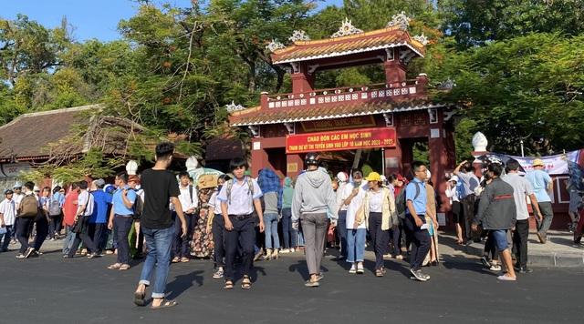 Thi lớp 10 tại Thừa Thiên Huế: Đề môn Toán dễ đạt điểm cao - 2