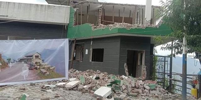 Đang phá dỡ, cải tạo nhà hàng Mã Pì Lèng Panorama - 2