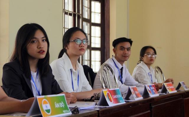 Gần 200 học sinh tham gia hội nghị mô phỏng Liên Hợp Quốc tại Phú Yên - 3