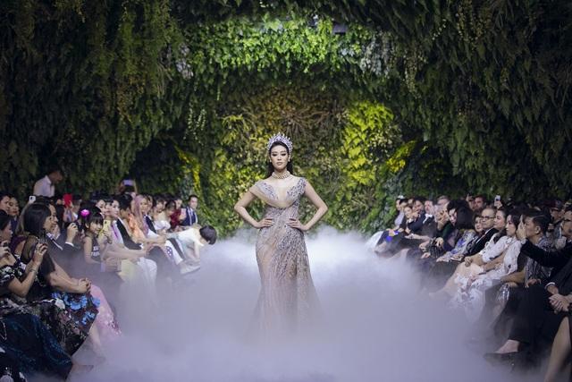 Nữ hoàng Bolero Lệ Quyên làm người mẫu cùng dàn Hoa hậu, Á hậu đình đám - 8
