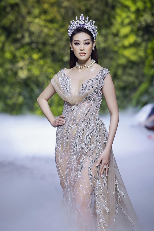 Nữ hoàng Bolero Lệ Quyên làm người mẫu cùng dàn Hoa hậu, Á hậu đình đám - 6