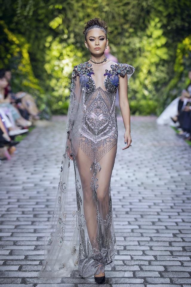 Nữ hoàng Bolero Lệ Quyên làm người mẫu cùng dàn Hoa hậu, Á hậu đình đám - 10