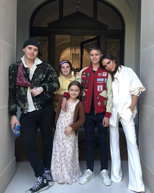 Vợ chồng David Beckham dạy các con trai phải sống tôn trọng nữ giới - 4