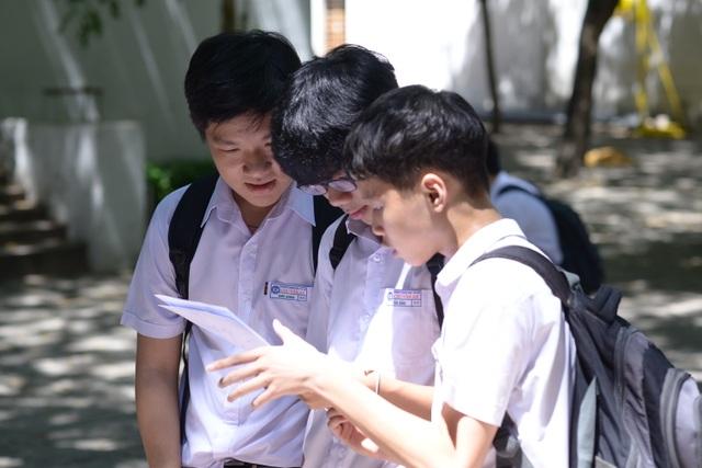 Đà Nẵng: Đề Toán dài, thí sinh lo điểm phải thật cao mới đậu trường top - 1