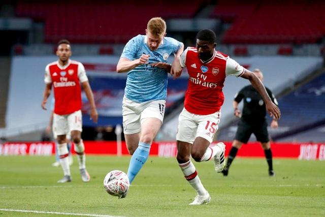 Nhìn lại chiến thắng ngọt ngào của Arsenal trước Man City - 9