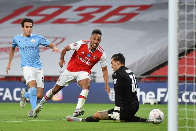 Nhìn lại chiến thắng ngọt ngào của Arsenal trước Man City - 10