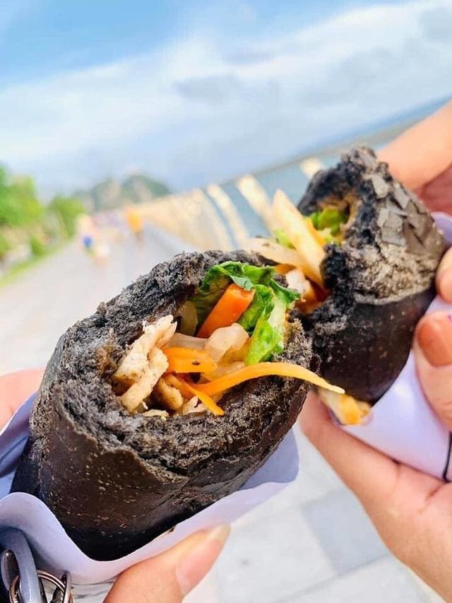 Dân mạng phát sốt với bánh mì bóng đêm đen như than ở Quảng Ninh - 4