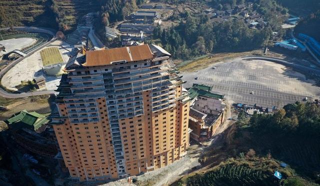 Huyện nghèo Trung Quốc nợ hàng tỷ USD vì các dự án khủng xây mãi không xong - 7